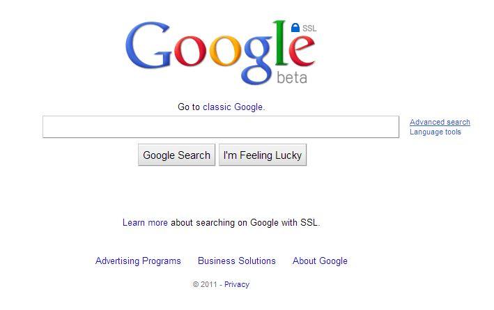 """Août 2011 : Google lance """"Panda"""", une mise à jour de son algorithme d'indexation qui favorise les contenus à valeur ajoutée. Google possède un parc de 900 000 serveurs. La société teste une version sécurisée des recherches en SSL."""