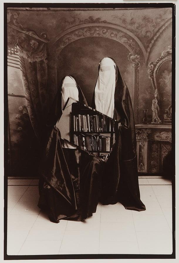 Sans titre (2 femmes voilées tenant un miroir), Shadafarin Ghadirian, 1999, Iran