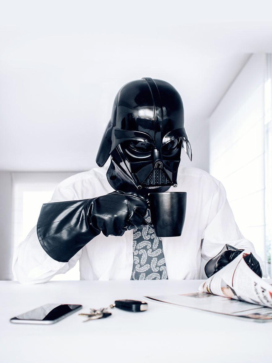 Dark Vador prend son café