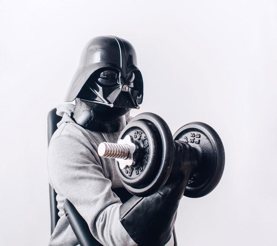 Dark Vador fait de la muscu