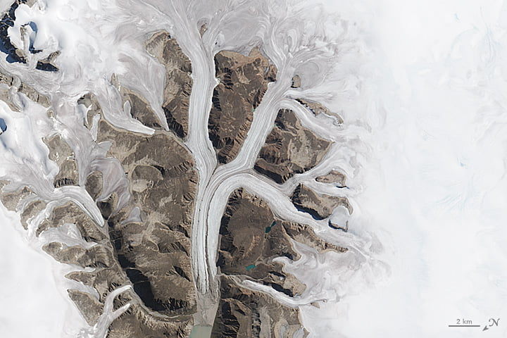 Glaciers au parc national de Sirmilik (Canada)